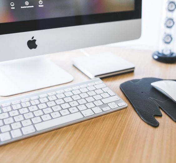 apple-desk-office-working (Demo)